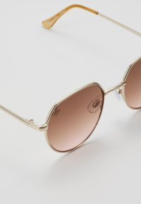 Jeepers Peepers - Sunglasses - gold/peach lens - 2