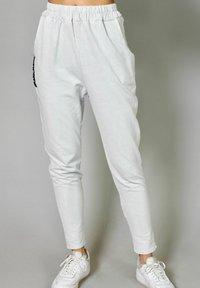 Riquai Clothing - Tracksuit bottoms - grau - 0