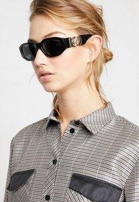 Versace - Gafas de sol - black - 3