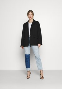 KENDALL + KYLIE - STRAIGHT LEG PANEL  - Straight leg jeans - light blue - 1