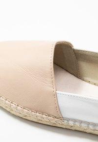 Vidorreta - Espadrilles - light brown - 2