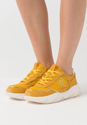 CEYDA - Zapatillas - yellow/gold