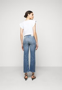 CLOSED - BAYLIN - Flared Jeans - mid blue - 2