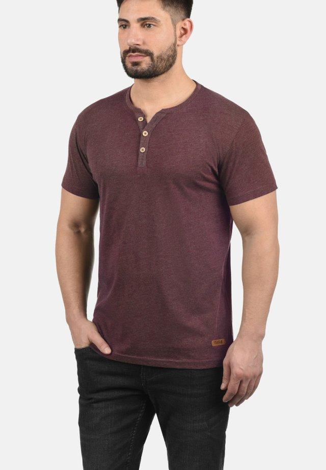 VOLKER - Basic T-shirt - wine red m