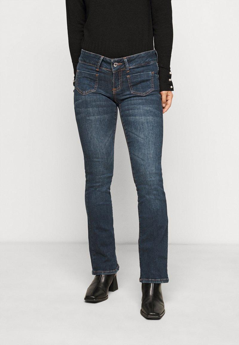 Vero Moda Petite - VMDINA - Široké džíny - dark blue denim