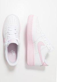 Nike Sportswear - AIR FORCE 1 '07 BRICK - Trainers - white/pink - 1