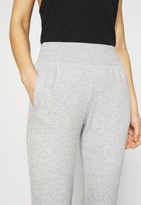 CALANDO - Pantalones deportivos - mottled light grey - 5