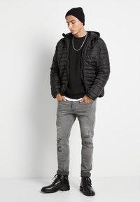 Only & Sons - ONSCERES LIFE CREW NECK - Sweatshirt - black - 1