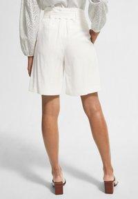 comma - Shorts - white - 2