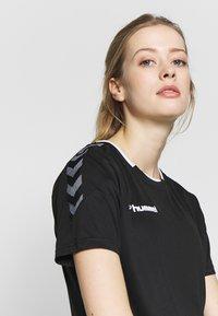 Hummel - HMLAUTHENTIC  - Print T-shirt - black/white - 3