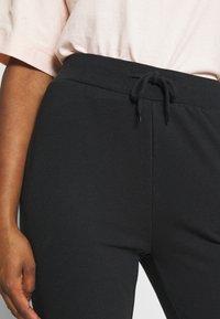 Even&Odd Petite - SLIM FIT JOGGERS - Pantalones deportivos - black - 4