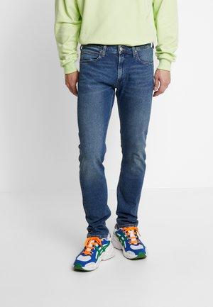 LUKE - Slim fit jeans - tanned blue