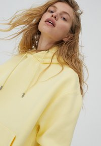 PULL&BEAR - Huppari - mottled light yellow - 3