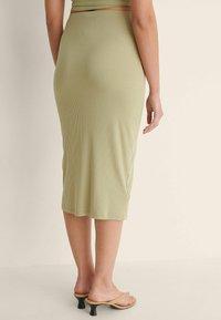NA-KD - KNOPFDETAIL - Pencil skirt - light green - 3