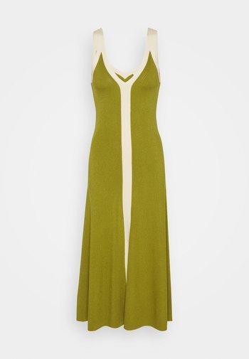 Jumper dress - olive