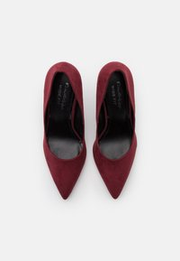 Miss Selfridge Wide Fit - WIDE FIT CATERINA STILETTO COURT - Classic heels - bordeaux - 5