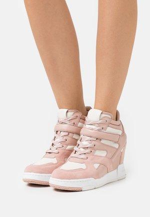 BODY - Sneakers hoog - pinksalt/gardenia