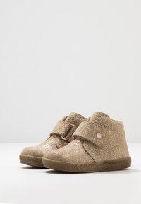 Falcotto - CONTE - Zapatos de bebé - gold - 3