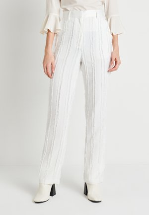 ZALANDO X NA-KD DETAIL SUIT PANTS - Bukse - off white
