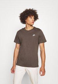 Nike Sportswear - CLUB TEE - T-shirt basic - ironstone - 0