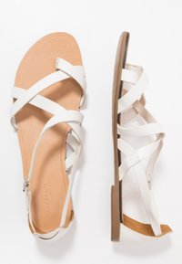 Vagabond - TIA - T-bar sandals - white - 3