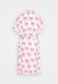 Fabienne Chapot - BOYFRIEND CARA DRESS - Shirt dress - white/pink - 7