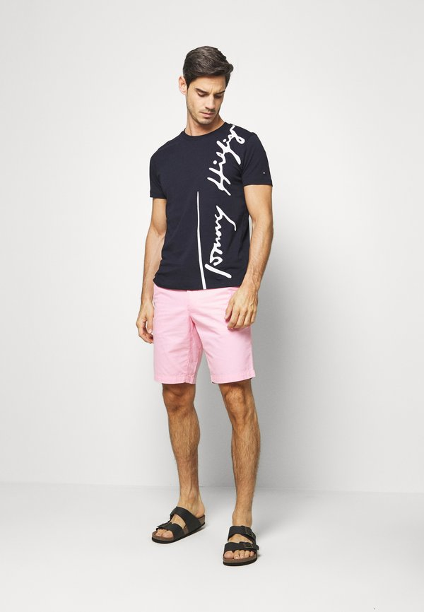 Tommy Hilfiger COOL SIGNATURE TEE - T-shirt z nadrukiem - blue/granatowy Odzież Męska DCUI