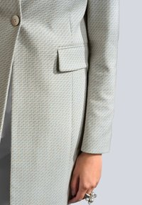 Alba Moda - Short coat - off-white/creme-weiß - 4