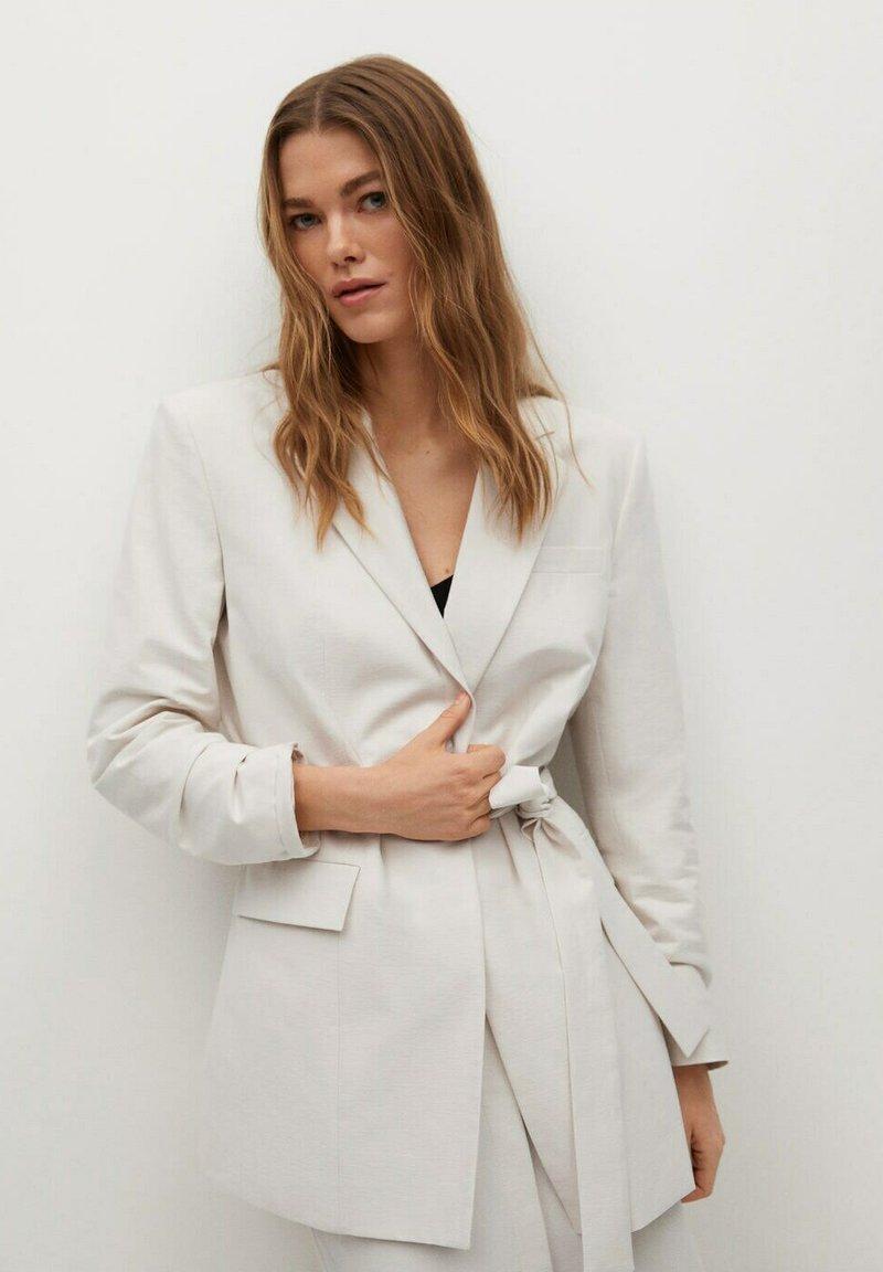 Mango - Short coat - beige