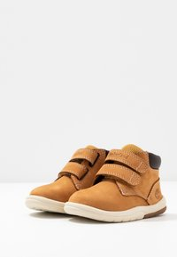 Timberland - TODDLE TRACKS BOOT - Babyschoenen - wheat - 3