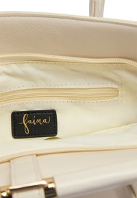 faina - Handbag - champagner - 4