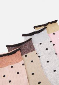 Vero Moda - VMLINE SOCKS 4 PACK - Socks - tobacco brown - 1