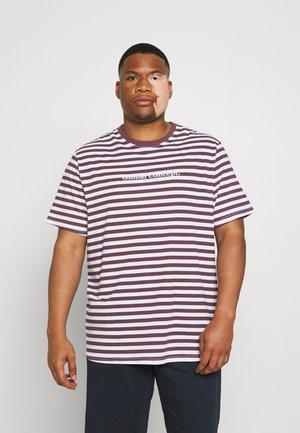 GLOBAL STRIPE LONGLINE TEE - T-shirts print - plum
