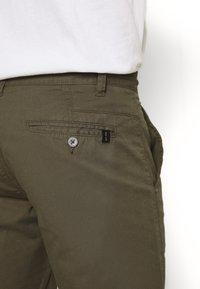 INDICODE JEANS - EXCLUSIVE STELLAN 2 PACK - Shorts - kakhi/offwhite - 5