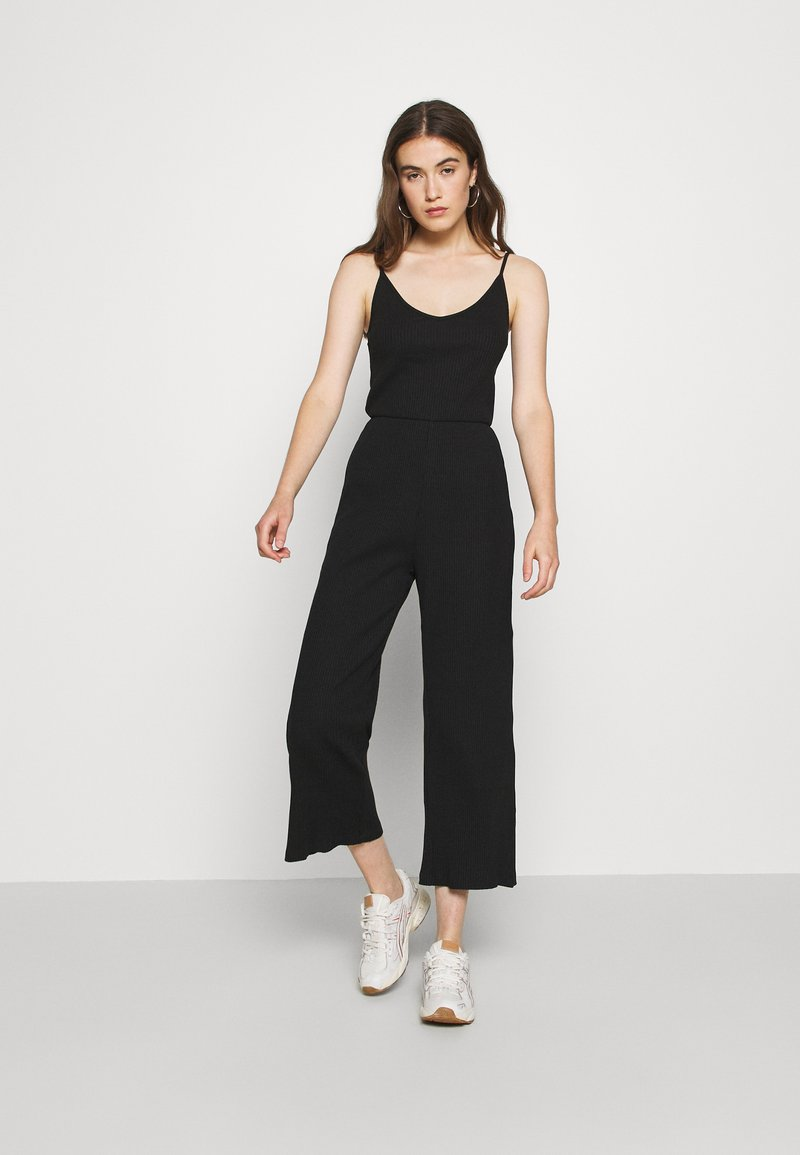 Even&Odd - BASIC - STRAPPY RIPPED JUMPSUIT - Jumpsuit - black