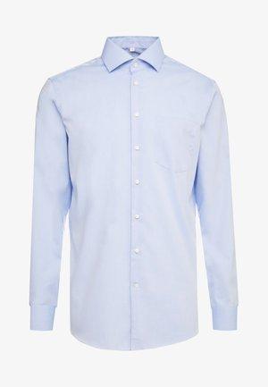 REGULAR FIT - Formal shirt - light blue