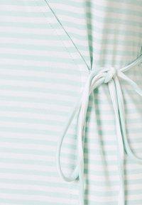 Vero Moda Tall - VMKATE SHORT DRESS - Jersey dress - icy morn/white - 2