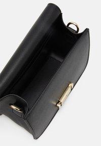 Seidenfelt - TROSA - Across body bag - black - 2