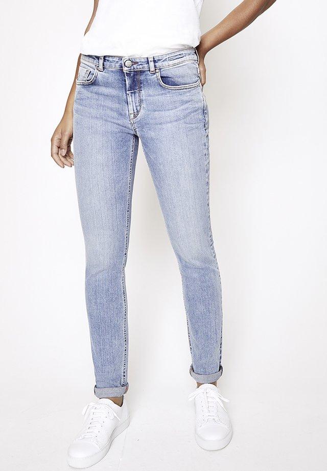 GRACIA - Slim fit jeans - hellblau