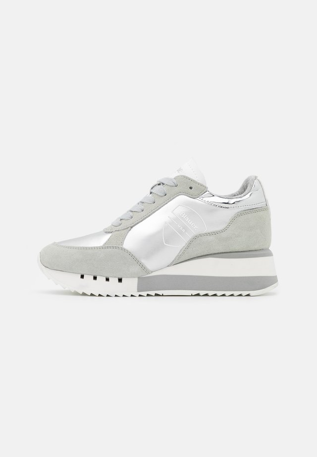 CHARLOTTE - Sneakers laag - silver