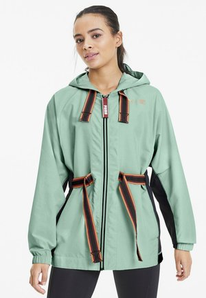 THE FIRST MILE ANORAK - Training jacket - mist green-black