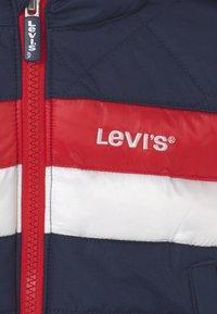 Levi's® - COLORBLOCK - Winterjas - dress blues - 2