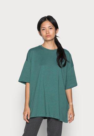 ONLINC SISI OVERSIZED TEE - Basic T-shirt - mallard green