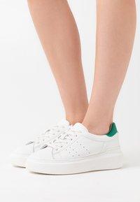 Zign - Joggesko - white/green - 0