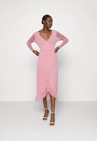 Résumé - NADIA DRESS - Koktejlové šaty/ šaty na párty - pastel pink - 1