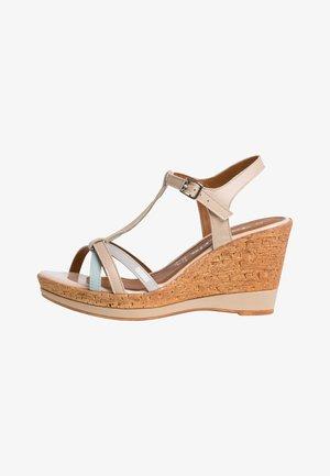 Platform sandals - beige comb