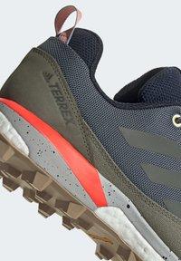 adidas Performance - TERREX SKYCHASER LT BLUESIGN HIKING SHOES - Kletterschuh - blue - 7