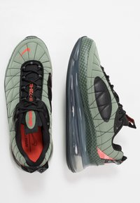 Nike Sportswear - MX-720-818 - Sneakersy niskie - jade stone/team orange/juniper fog/black - 1