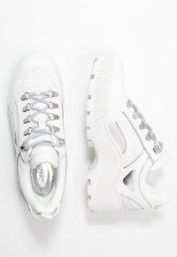MICHAEL Michael Kors - BROOKE LACE UP - Sneakers - optic white - 3