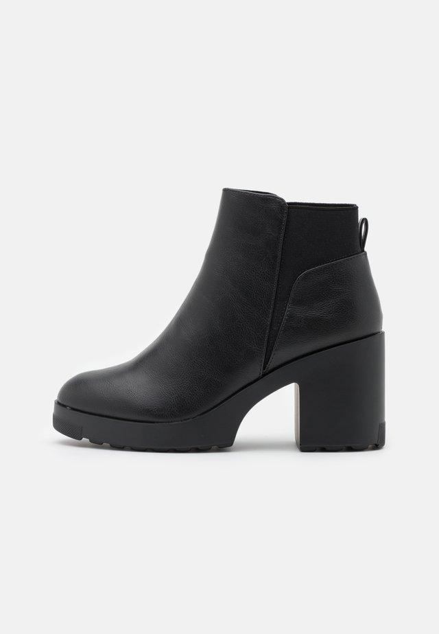 ALRIIX - Kotníkové boty na platformě - black